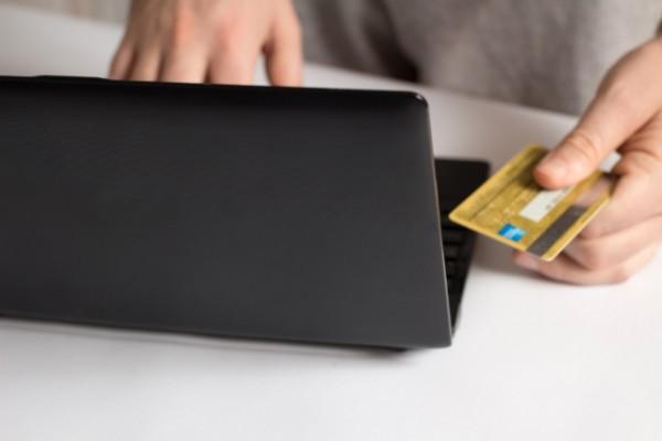ショッピング枠現金化は法人カードでも利用可能