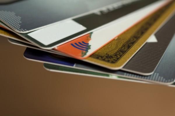 ジョイフルの利用にはクレジットカードの写真がいる
