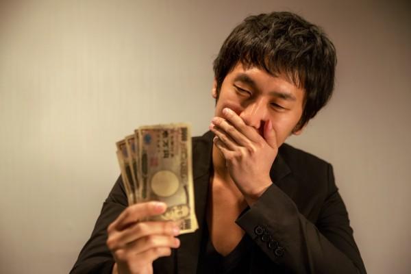 新宿で営業する悪徳業者のイメージ