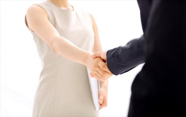 クレジットカード現金化は弁護士に話すべき?